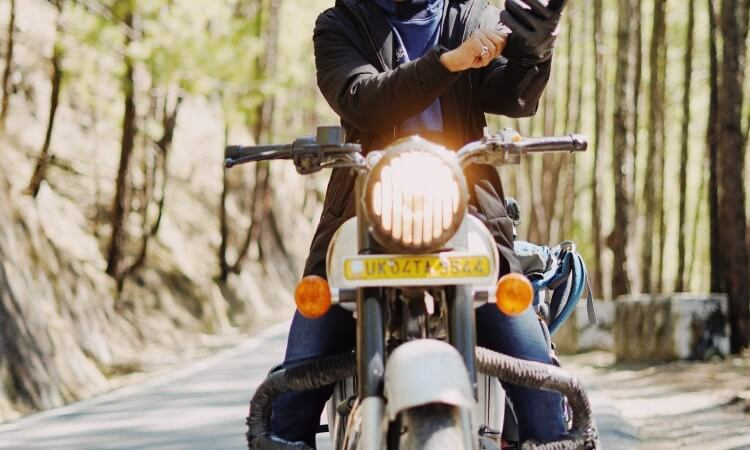 How To Break In Leather Motorcycle Gloves: Useful Guide
